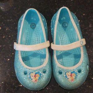 8b1c06b7791225 Crocs frozen design size 7